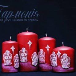 Свічка оздоблена червона циліндр «Ангелики, що моляться»