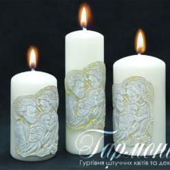Свічка оздоблена циліндр біла золотий декор «Свята родина»